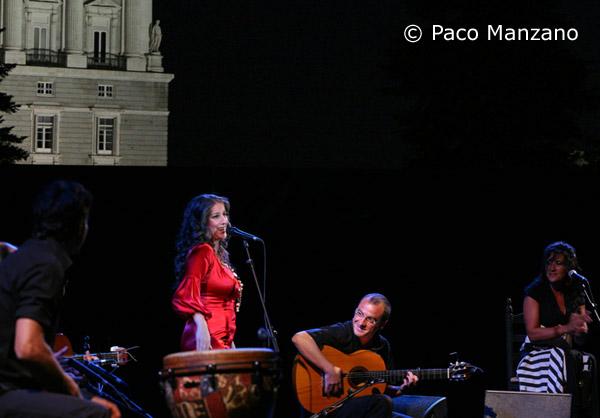 Argentina en concierto jardines sabatini de madrid for Jardines sabatini conciertos