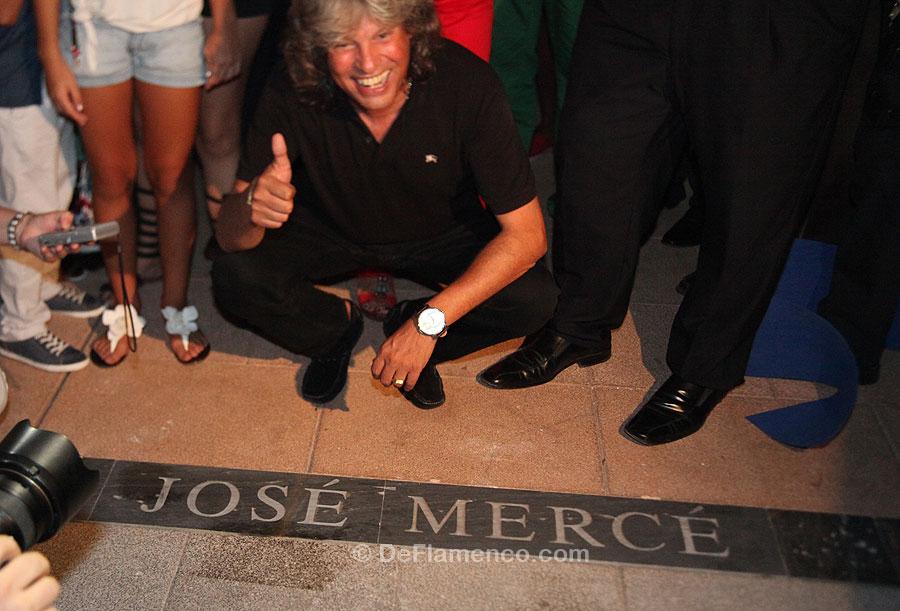 José Mercé destapa la Lámpara en la Avenida del Flamenco de La Unión.