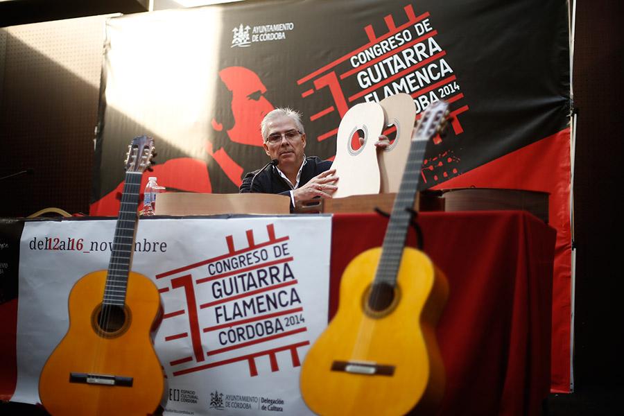 José Rodriguez, constructor de guitarras