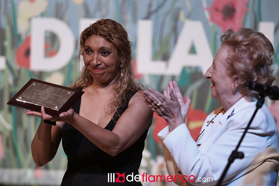 Esperanza Fernández, premio Tío Luis el de la Juliana