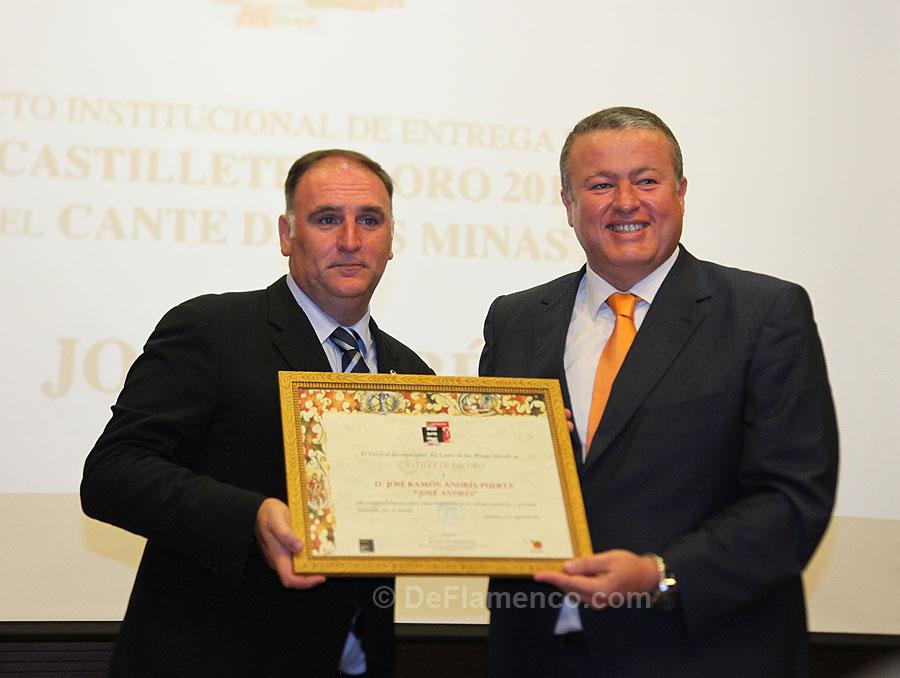 José Andrés recibe el Castillete de Oro
