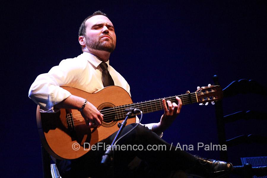 Un año sin Pago - Santiago Lara