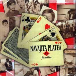 Navajita Plateá –  En familia