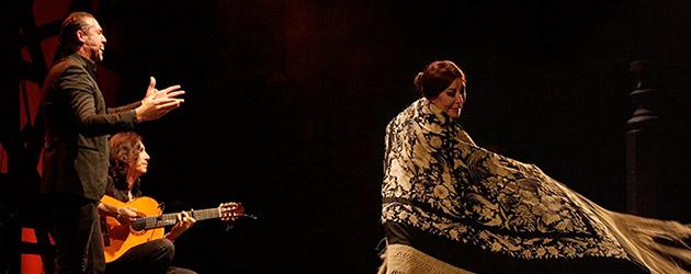 Blanca del Rey vuelve a agitar el mantón durante el pregón del 56 Festival Internacional del Cante de las Minas