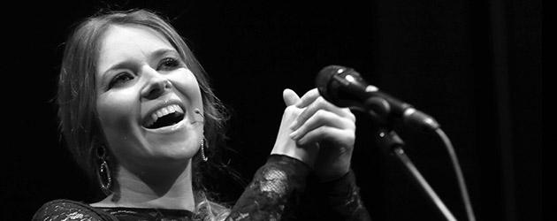 "Rocío Márquez ""Por qué cantamos"" – Suma Flamenca"