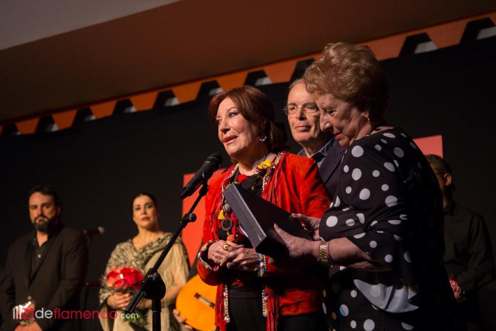 Blanca del Rey recibe el premio Tio Luis el de la Juliana 2018