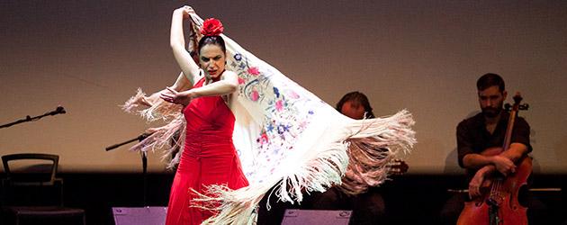 """Pilar Astola  """"Bailando en Plata"""" su tributo a Miguel de Molina"""