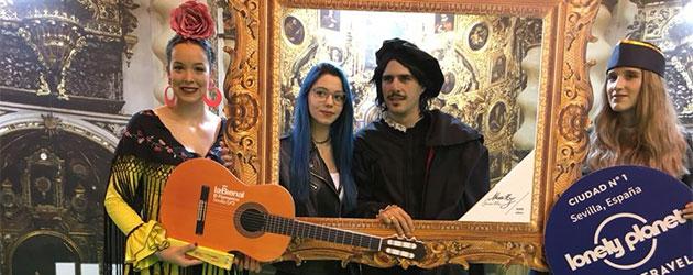 La Bienal, una guitarra y cuatro volantes