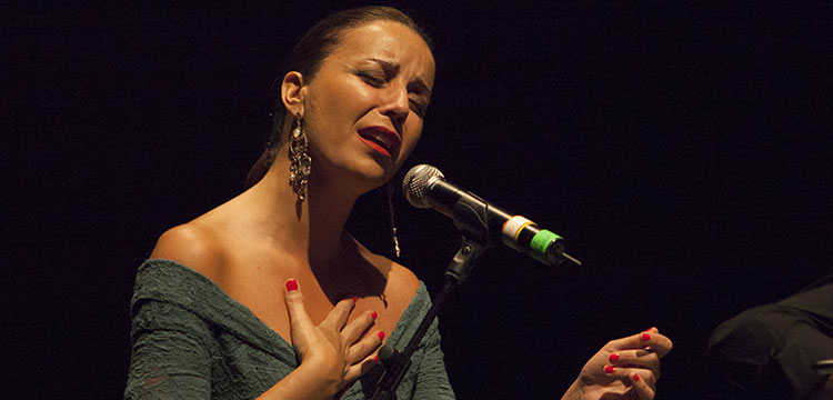 Mariola Membrives and the Piccola Orchestra Gagarin: solid experimental flamenco