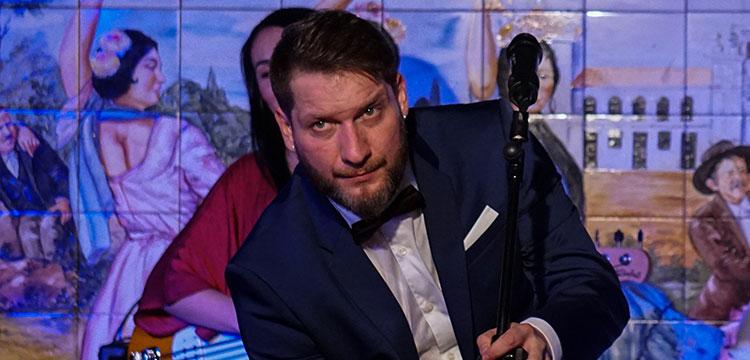 Saúl Quirós presenta «Fin de fiesta» en el Tablao Villa Rosa