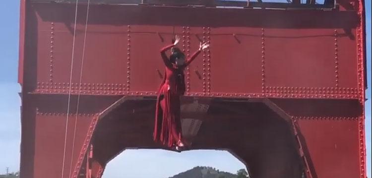 ADRIANA BILBAO celebró el Día Mundial de la Danza en Grúa Carola