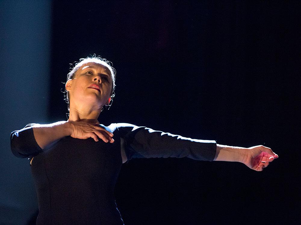 Rocío Molina - Impulso _foto_ Remedios Malvarez