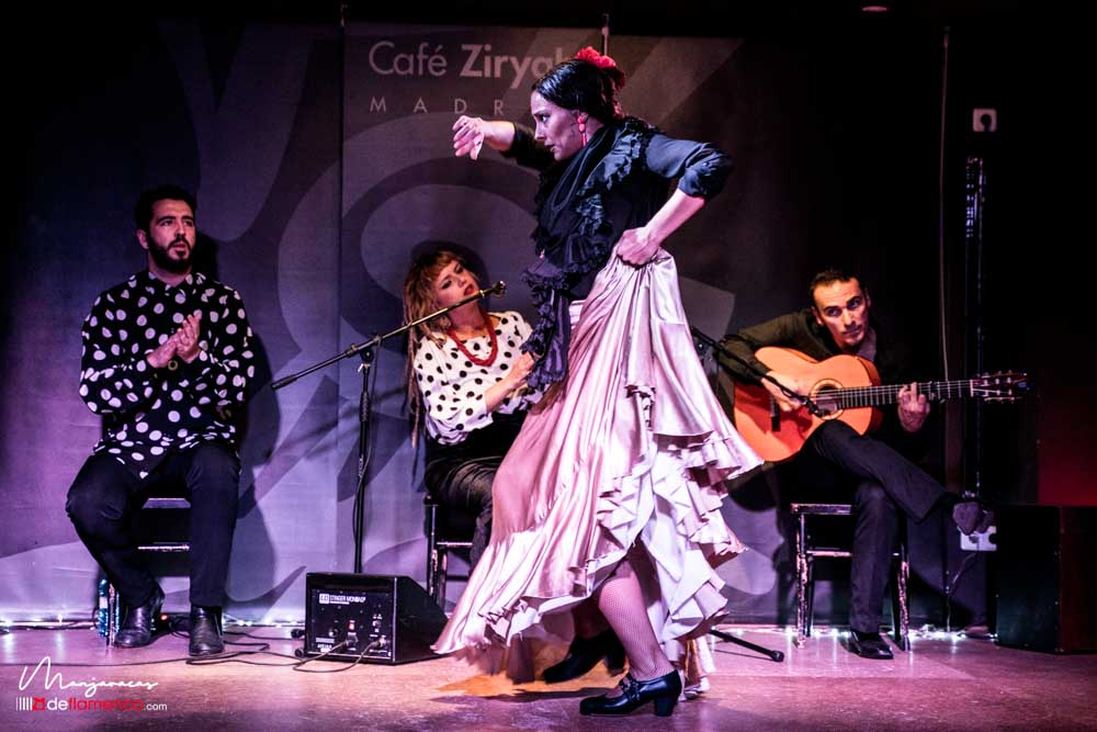 Lucía Ruibal - Café Ziryab