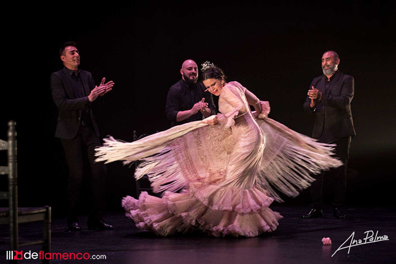 María Moreno wins over the Villamarta with her avant-garde work based on   classic flamenco