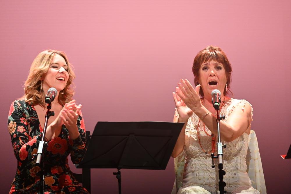 Mujeres cantan a Lole Rocío Márquez - foto: Niccolò Guasti / Greencow