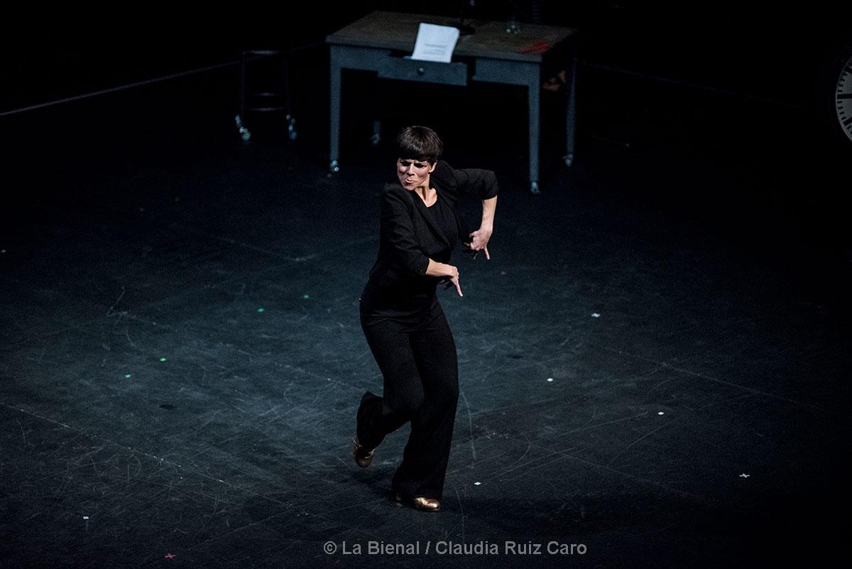"""""""Loxa"""" de Leonor Leal en La Bienal"""