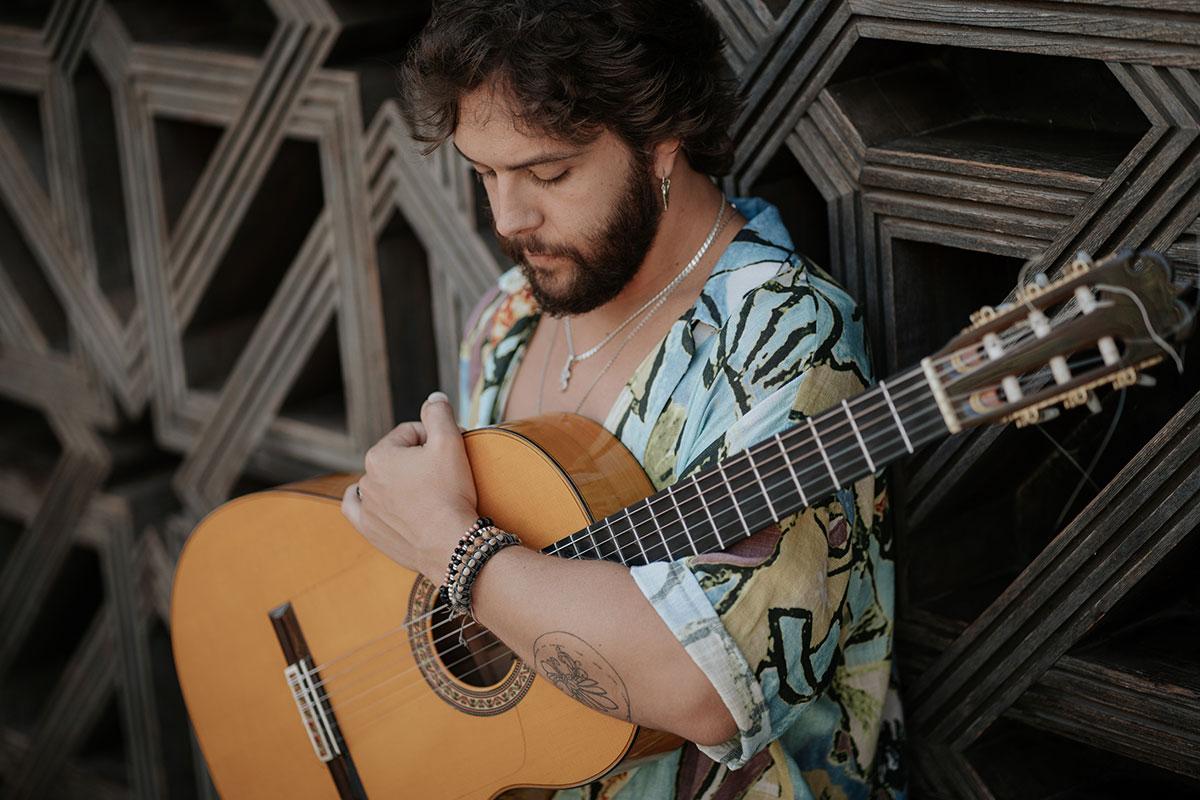 Luis Medina presenta su ópera prima: MOVIMIENTO