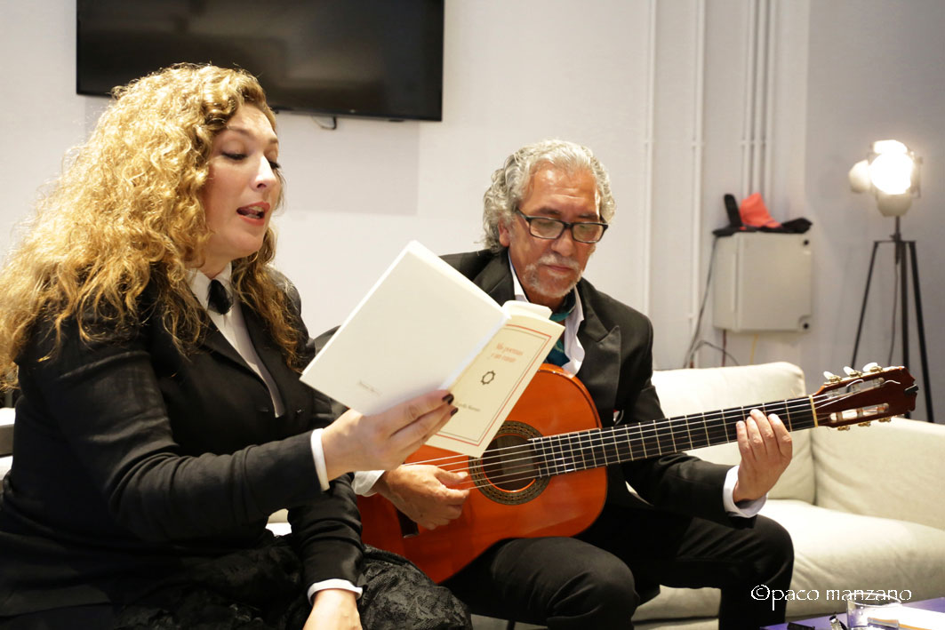 Estrella Morente presenta su primer poemario «Mis Poemas y un Cante»