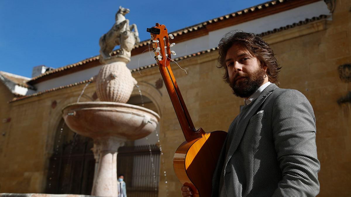 "Luis Medina ""Aspiro a ser un guitarrista sincero"""