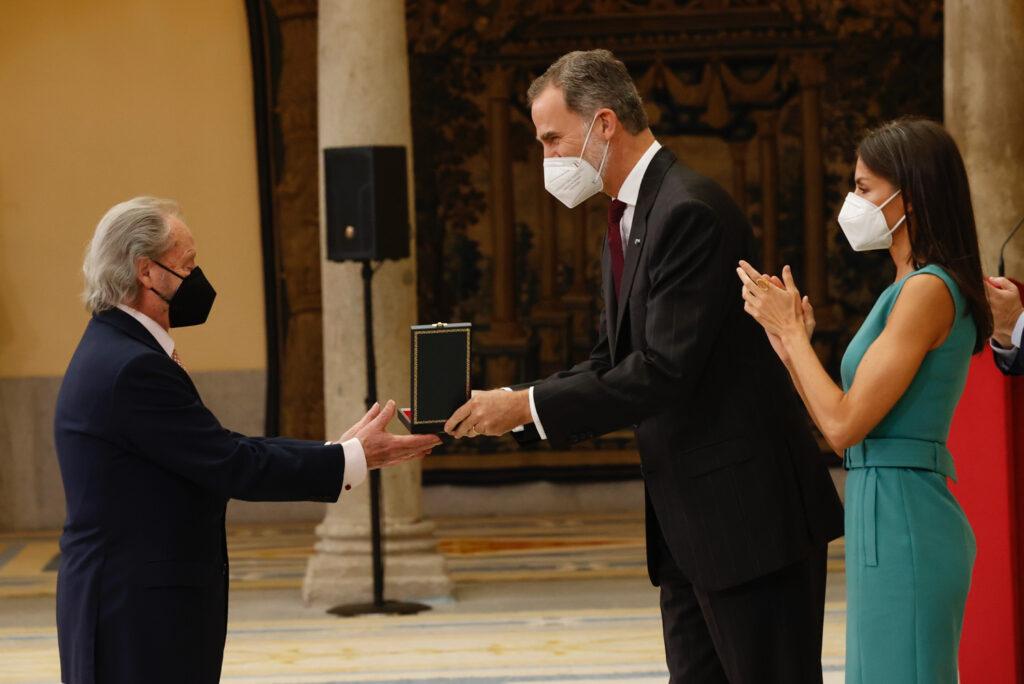 Serranito - Medalla de Oro al Mérito en las Bellas Artes